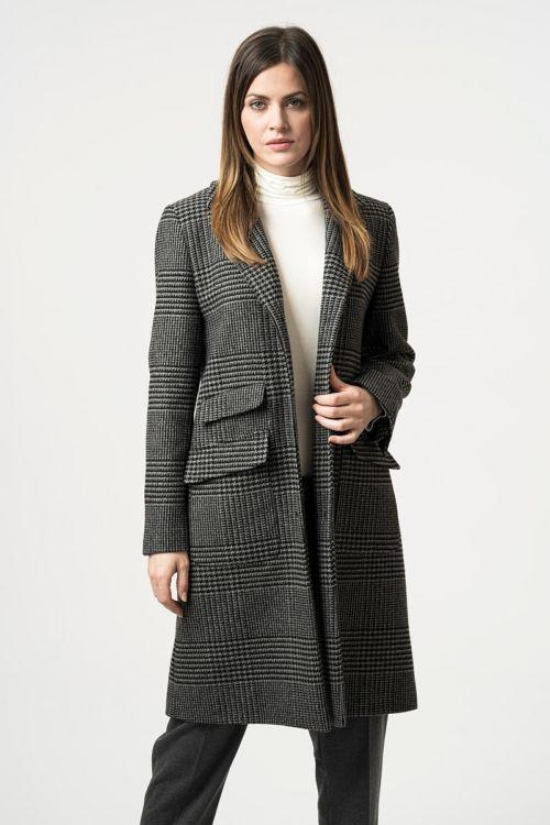 Strukirani ženski kaput s Prince of Wales uzorkom