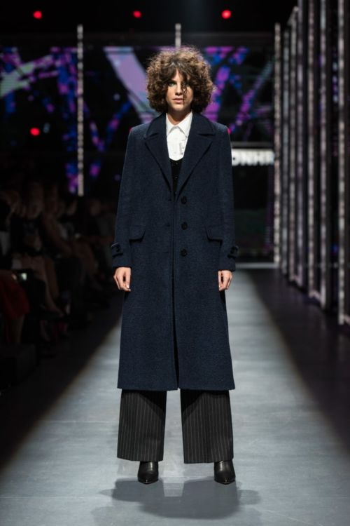 Dugi elegantni ženski kaput u dvije boje