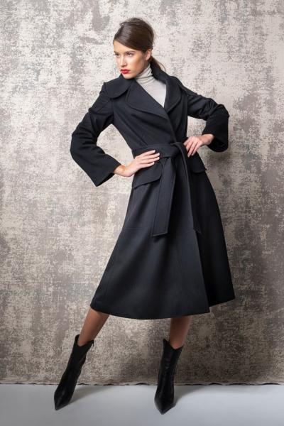 Limited Edition - Ženski crni kaput od runske vune