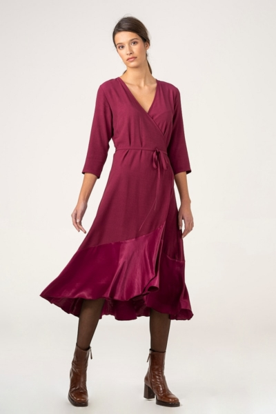 Varteks Folding dress in burgundy red color