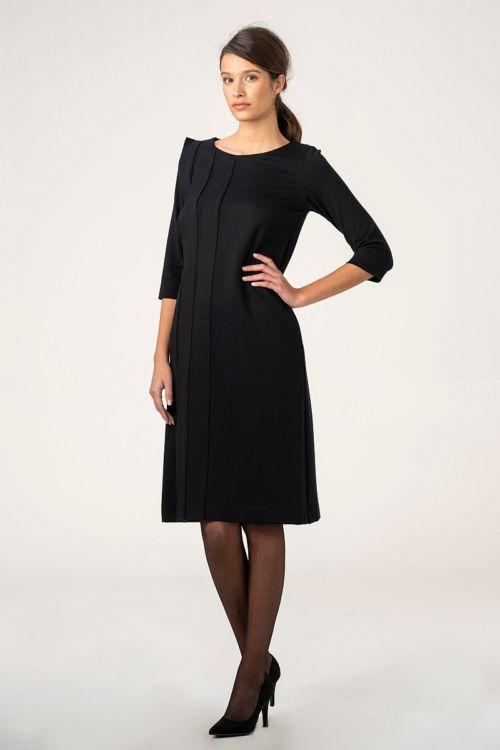 Crna ženska haljina s ukrasnim faldama