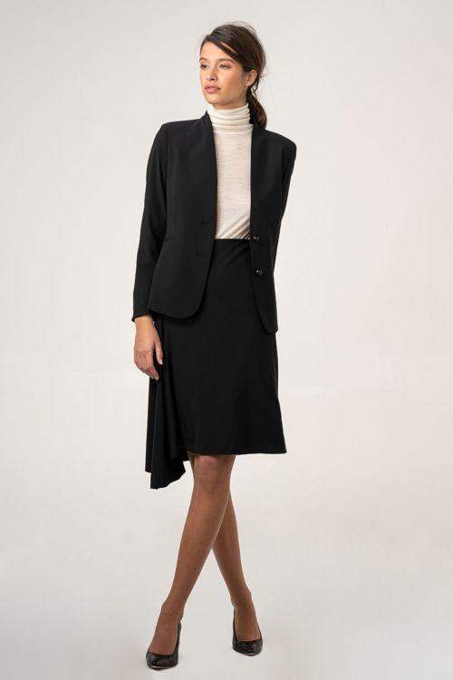 Asimetrična crna suknja od runske vune