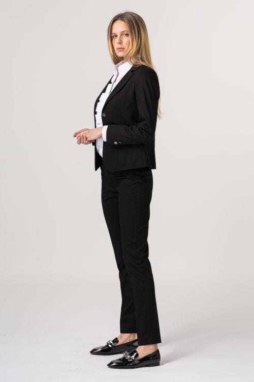 Poslovne crne hlače ravnog kroja