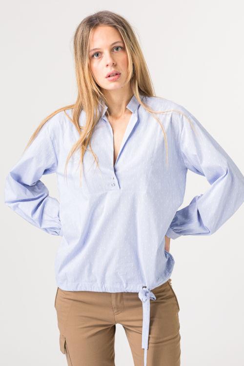 Ženska bluza sa decentnim uzorkom