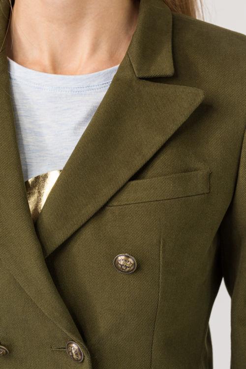 Maslinasto zeleni sako na dvostruko kopčanje