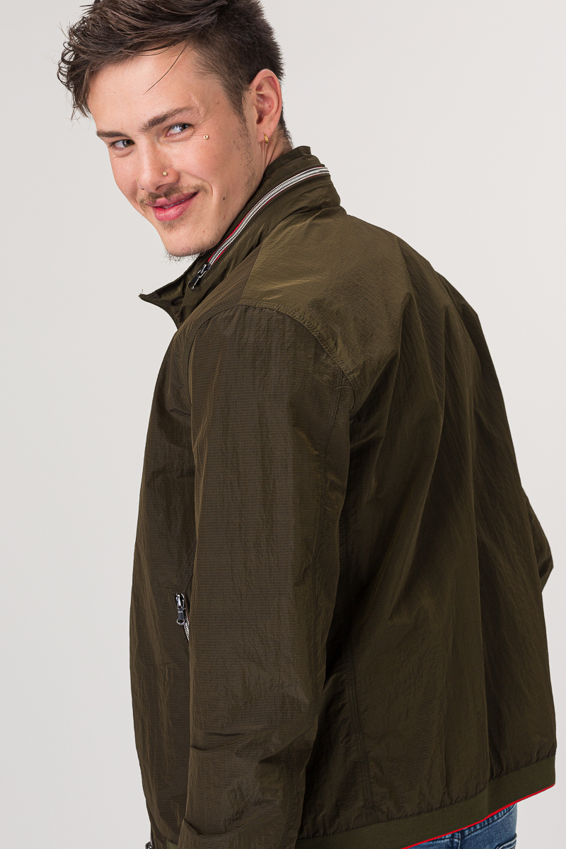 Sportska muška jakna u dvije boje