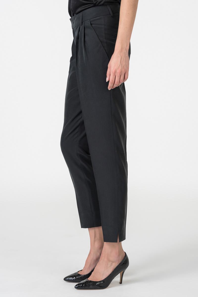 Varteks Ženske baršunaste hlače u dvije boje