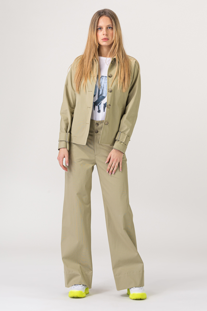 Ženska jakna boje kadulje