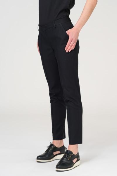 Crne uske hlače s prošivenom crtom