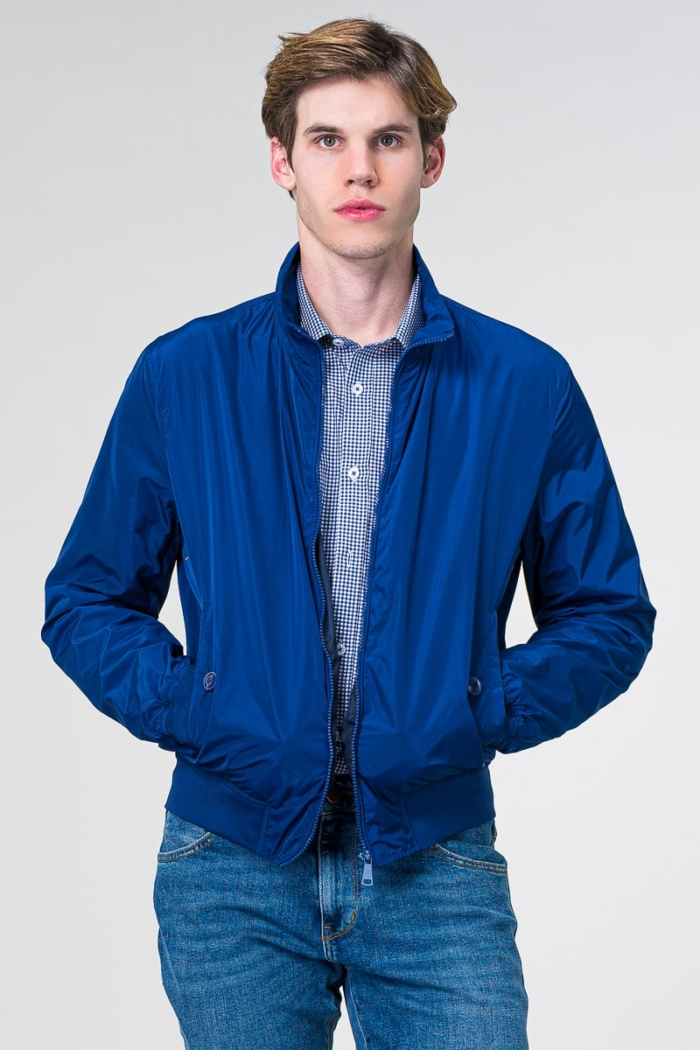Muška bomber jakna u crvenoj i plavoj boji
