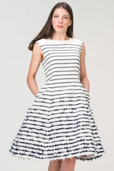Romantična strukirana haljina s mašnicama