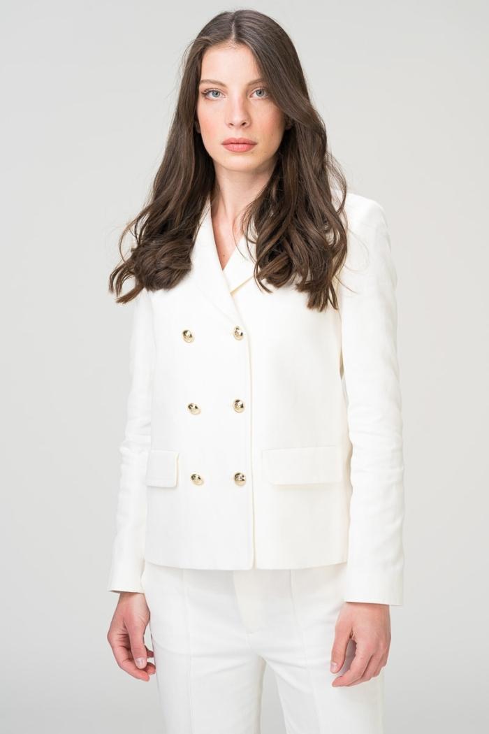 Bijeli dvoredni sako sa zlatnim gumbima