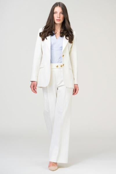 Bijelo žensko odijelo sa širokim hlačama