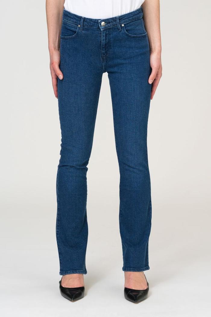 Ženske jeans hlače za puniji stas - Wrangler
