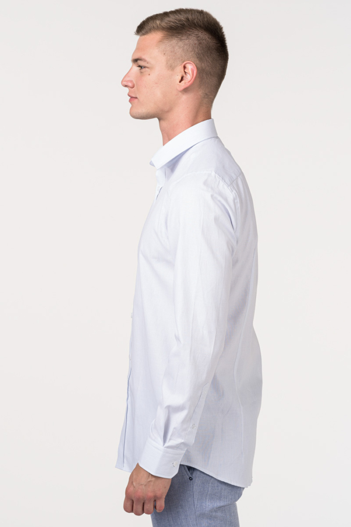 VARTEKS Košulja sa svijetlo plavim mikrodezenom - Slim fit