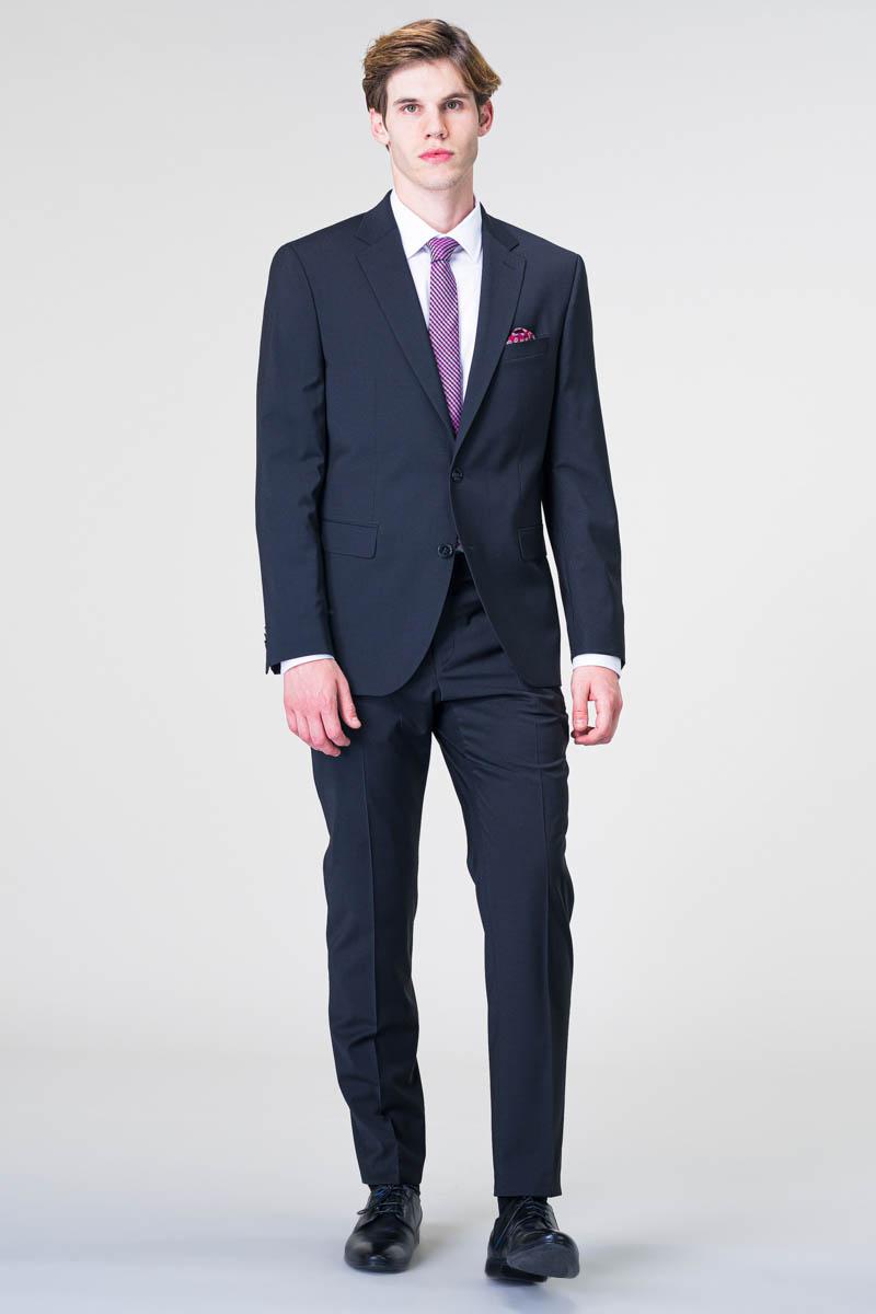 Varteks Young - Odijelo u crnoj i tamno plavoj boji - Regular fit