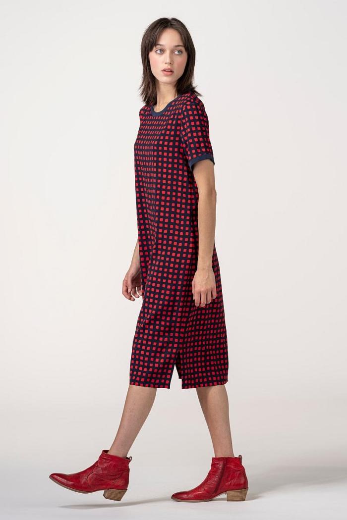VARTEKS Ravna T-shirt haljina s crvenim kockicama