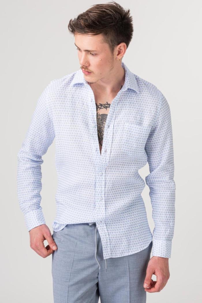 VARTEKS Lanena košulja sa svijetlo plavim uzorkom