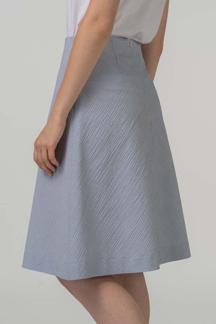 Varteks - Suknja A kroja s plavim prugicama