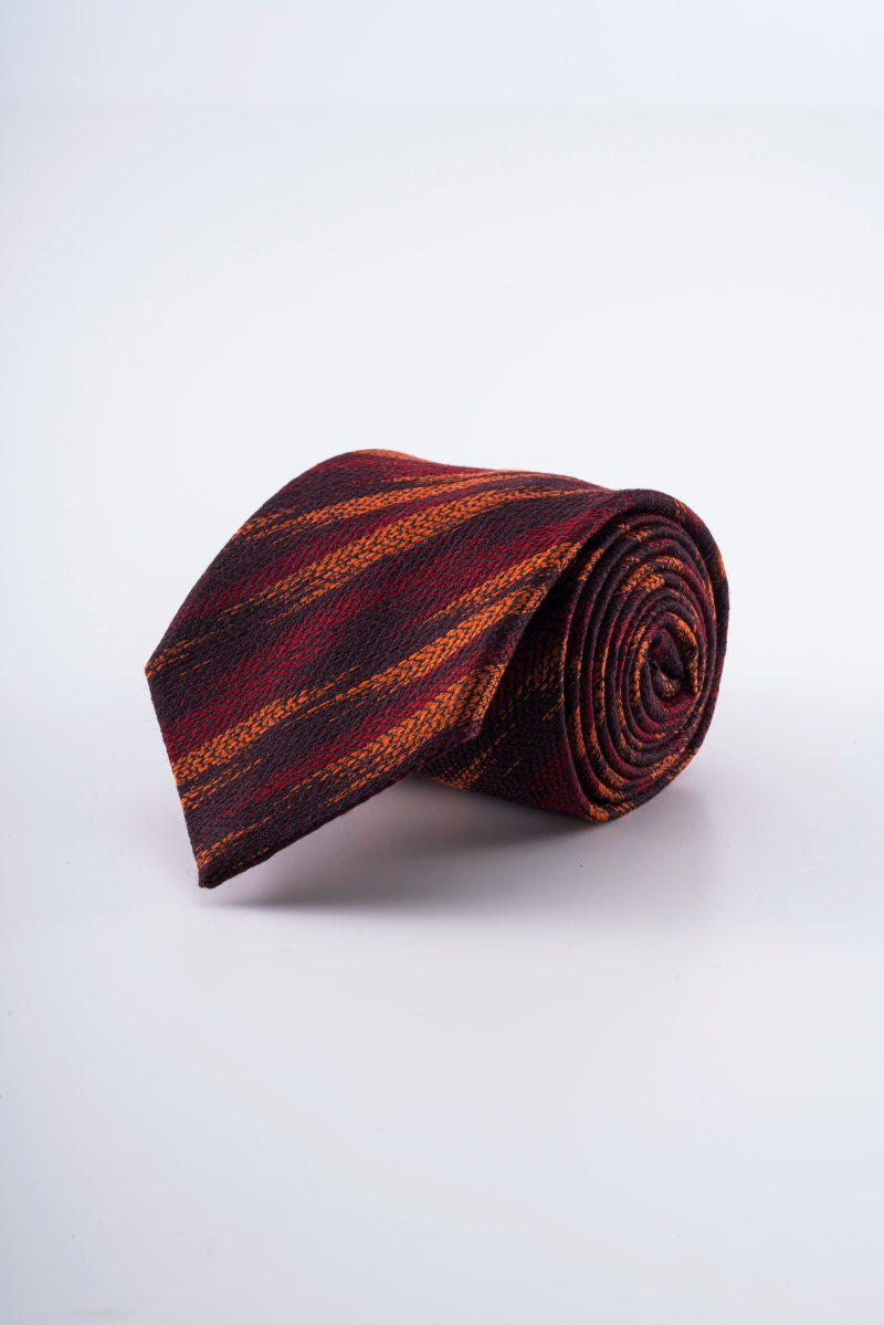 Varteks Men's tie in fiery colors