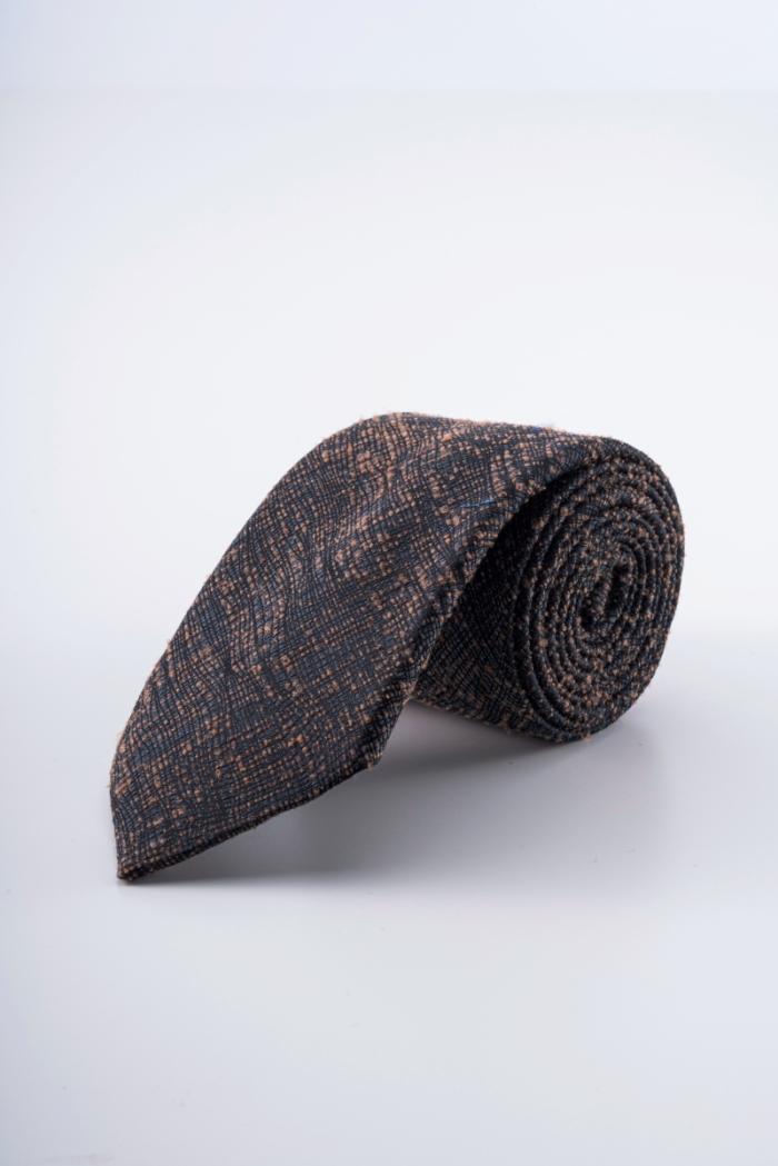 Varteks Muška kravta modernog uzorka