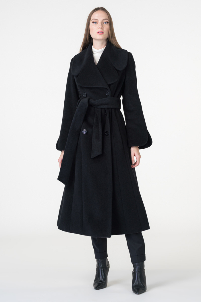 Varteks Feminine black coat large collar