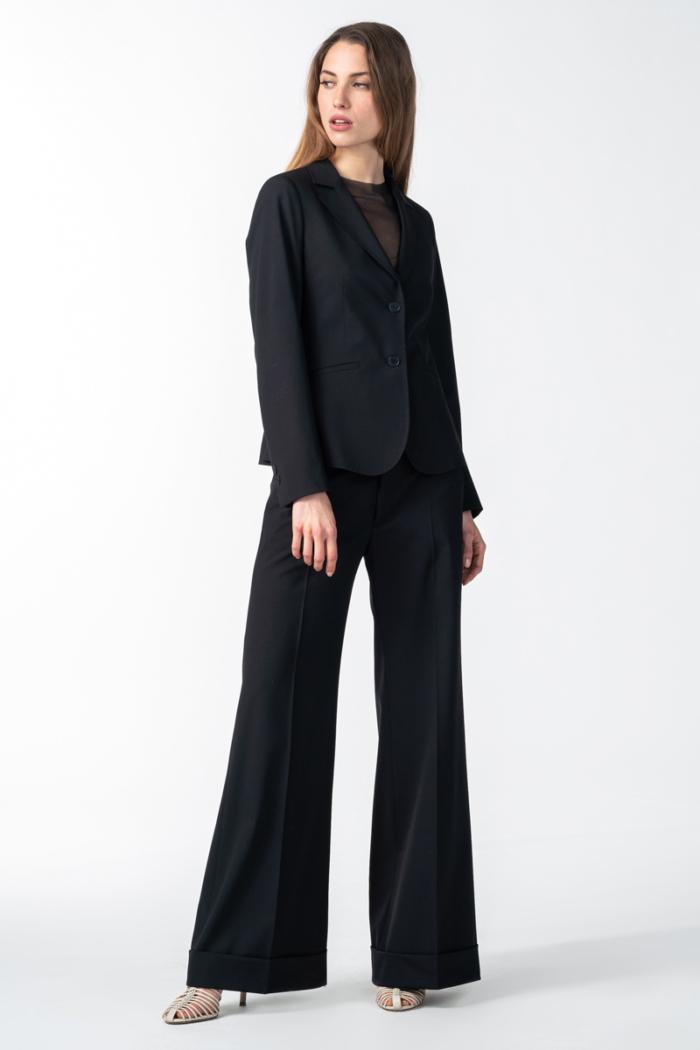 Varteks Ženske široke crne hlače od runske vune