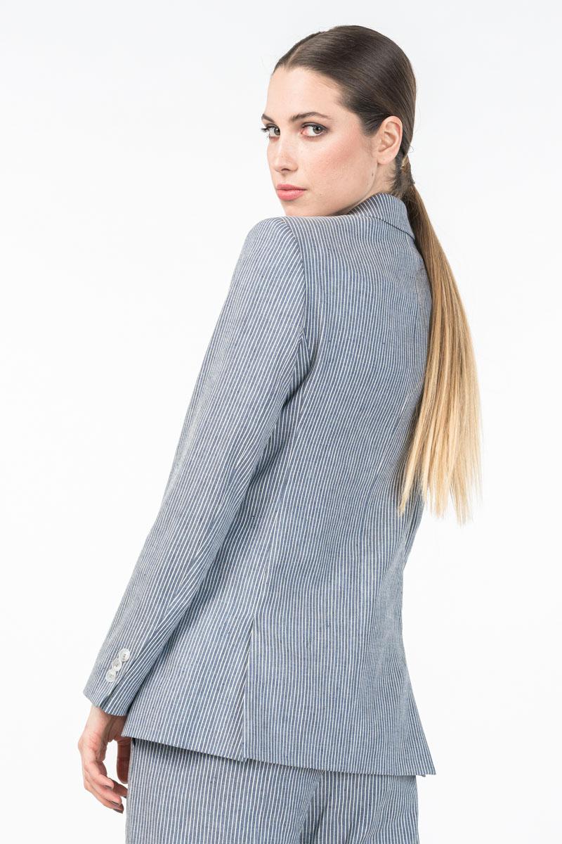 Ženski sivi sako s decentnim crtama