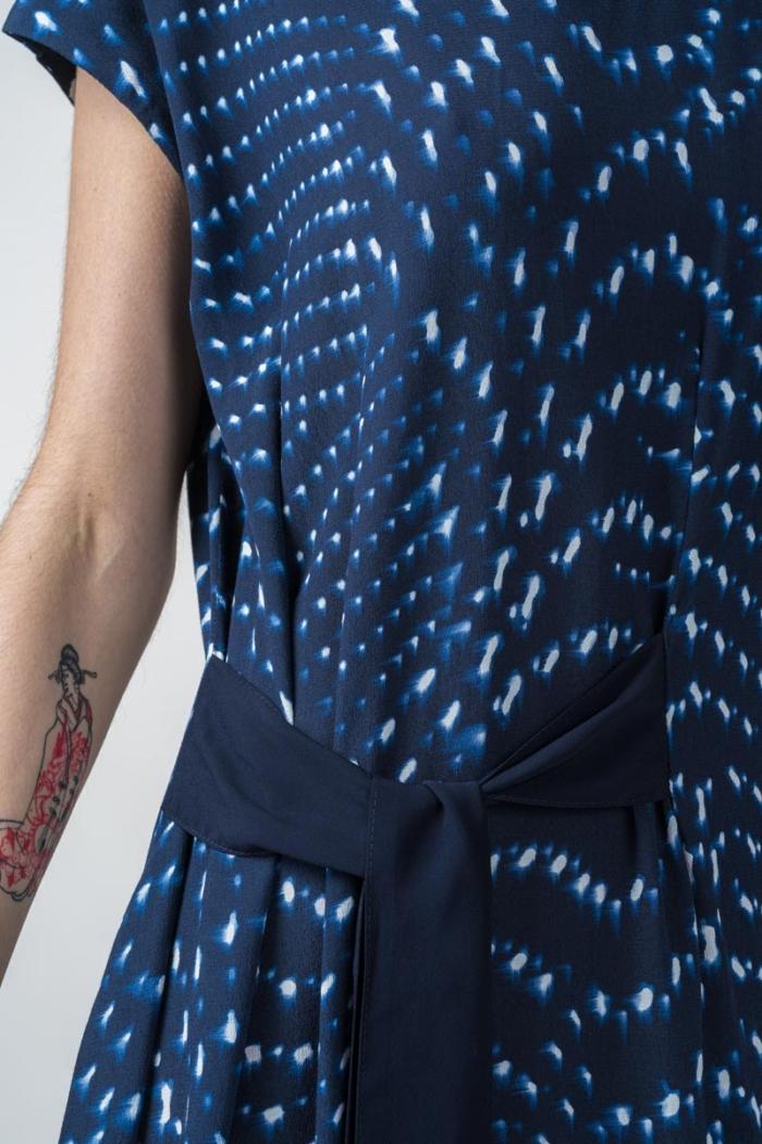 Haljina na vezanje bez rukava