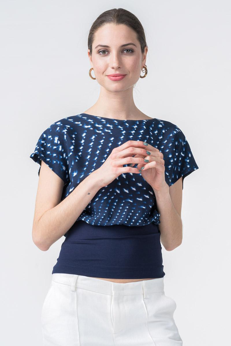 Ženska tamno plava majica s uzorkom