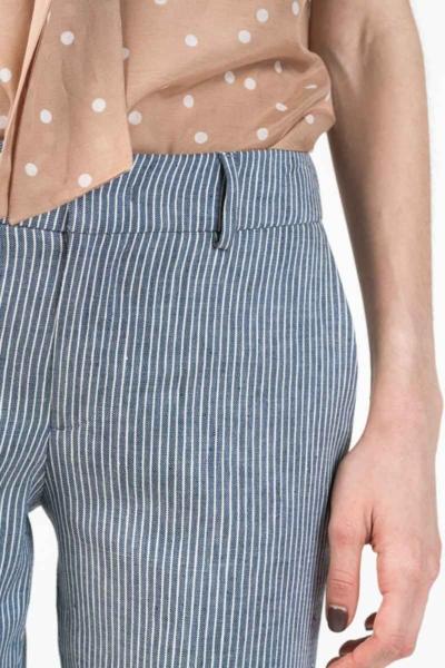 Ženske sive hlače s decentnim crtama