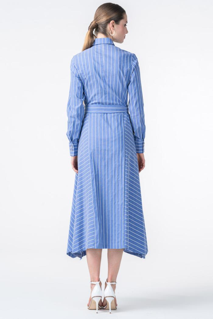 Duga prugasta ženska haljina