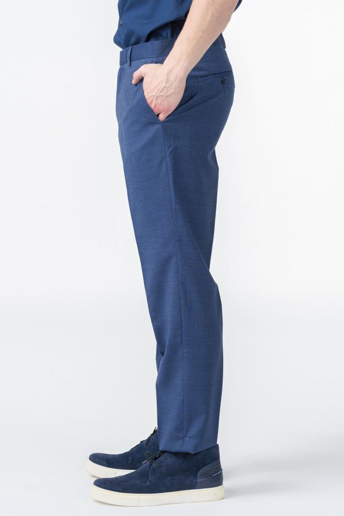 Muške decentno prugaste hlače od odijela - Regular fit